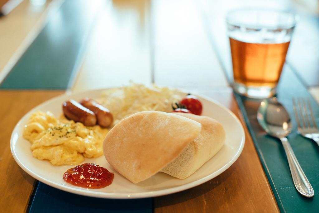 Igloo Breakfast